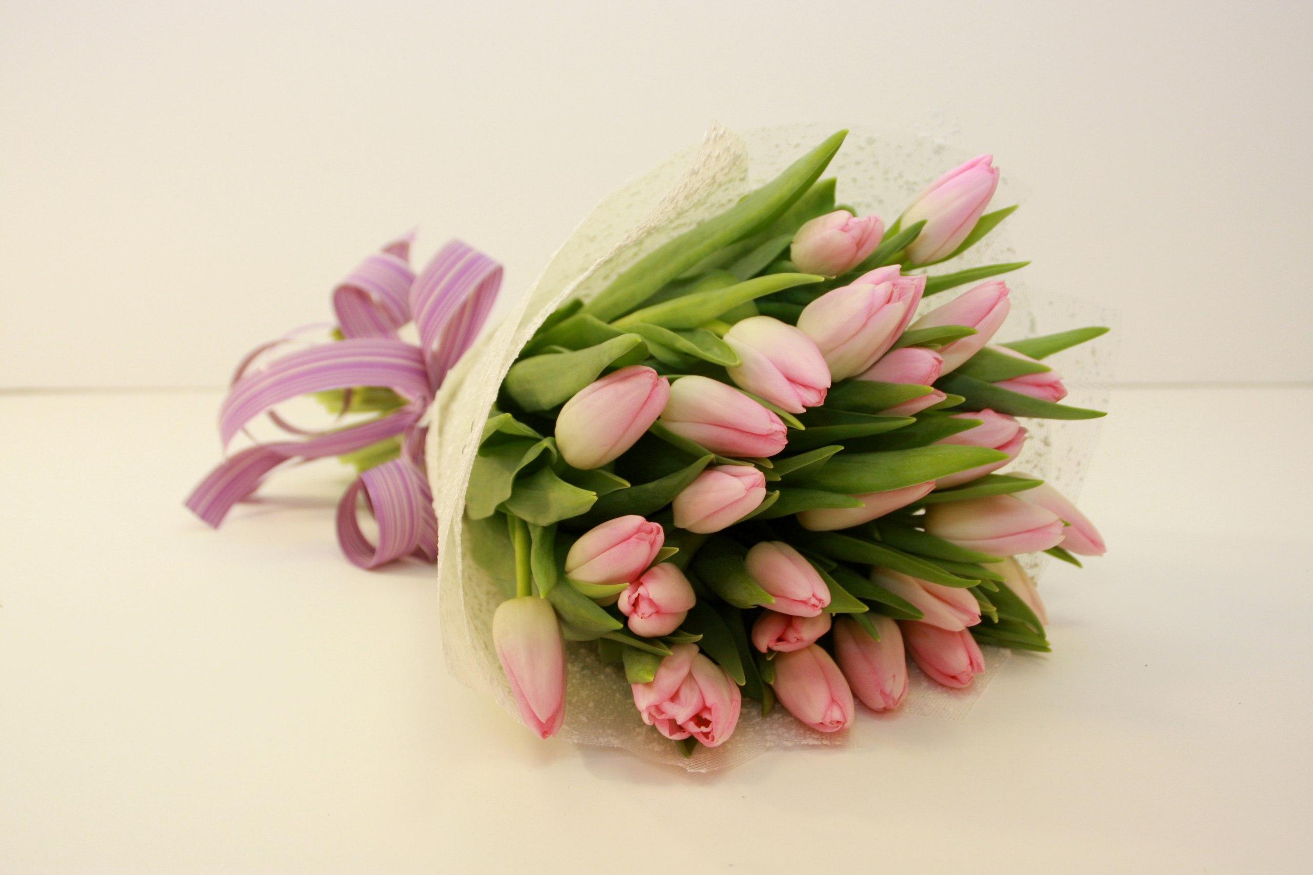 букеты розовых тюльпанов фото объявления