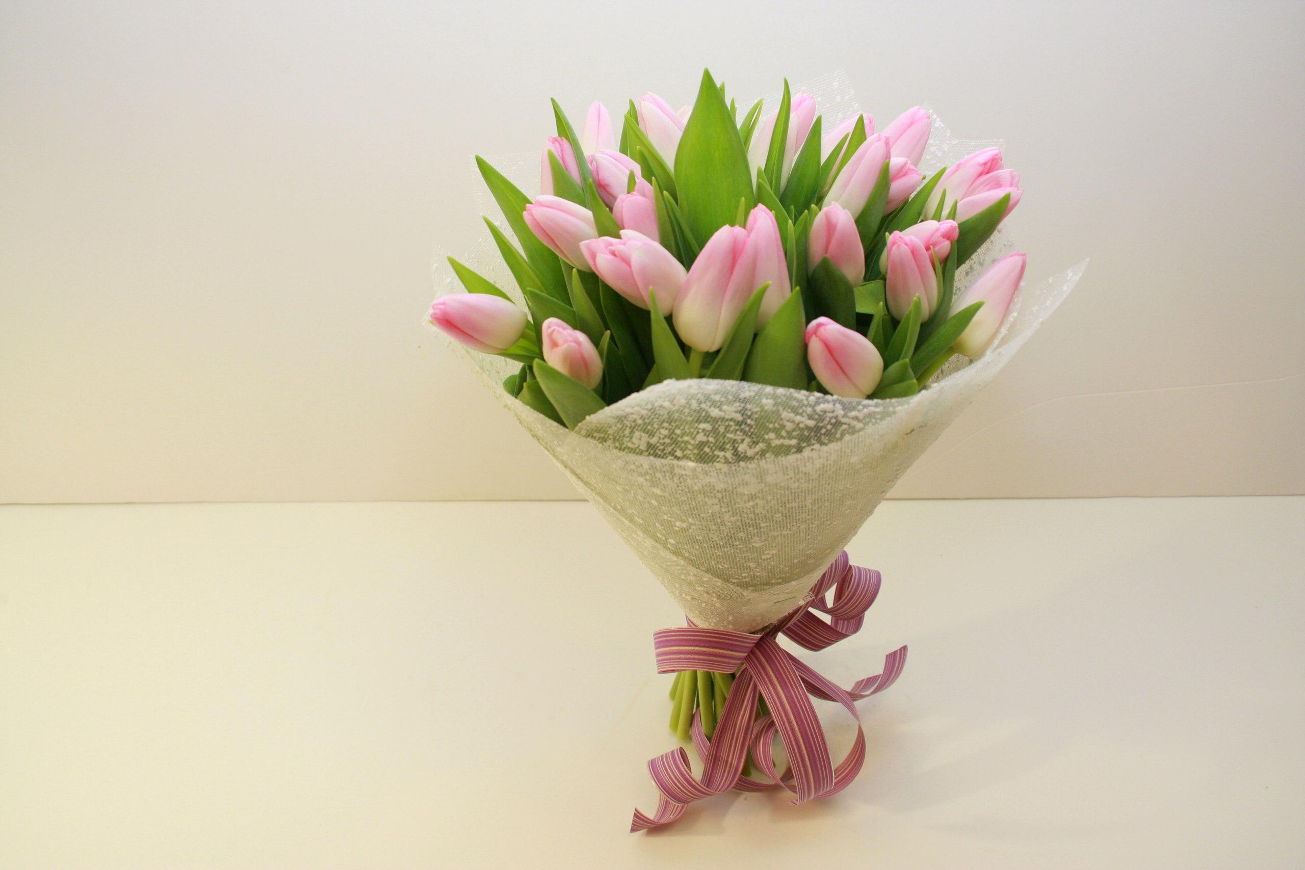 Свадебный букет с голландских тюльпанов купить, оптовые цены