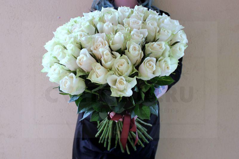 Какие цветы подарить на день рождения девушке?